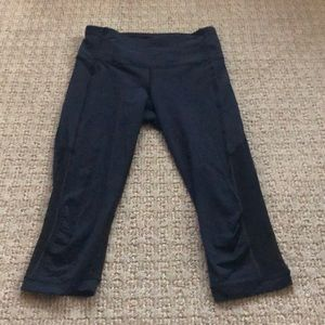 Lulu Lemon Capri Leggings! Size 6